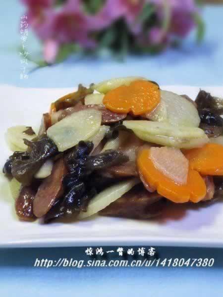 山药胡萝卜炒风干肠的做法(荤素搭配-上班族回家应急做的快手小炒)