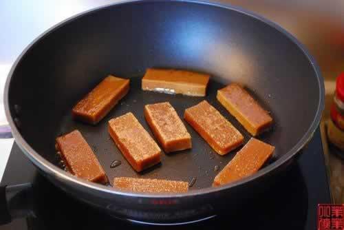 香煎年糕的做法(早餐菜谱)