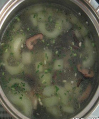 黄瓜木耳汤的做法