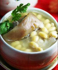 猪脚黄豆汤的做法