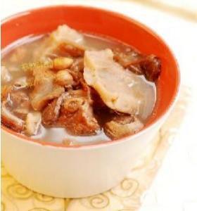 莲藕猪脚花生汤的做法 莲藕猪脚花生汤