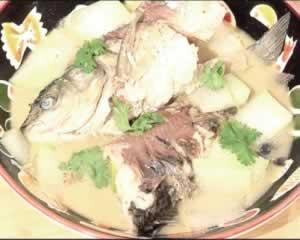 草鱼沙锅的做法