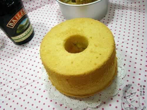 百利甜戚风蛋糕 百利甜戚风蛋糕的做法,怎么做,如何做,图解高清图片