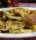豆芽炒香肠的做法