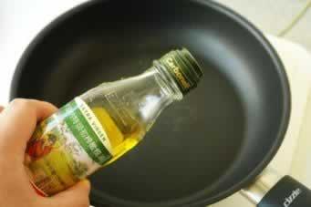 猪肚角瓜炒蛋_做法角瓜炒蛋的木耳,做,如成都木耳多少钱一斤图片