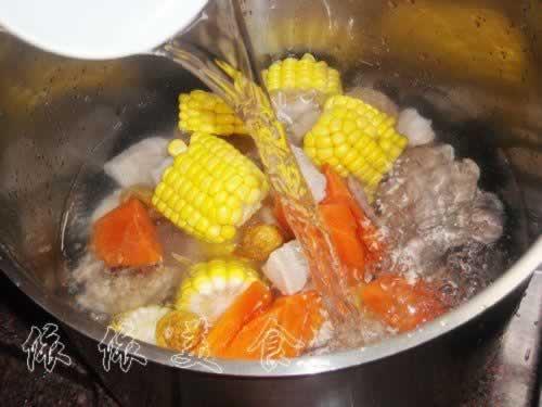 无花果玉米煲鹌鹑汤的做法