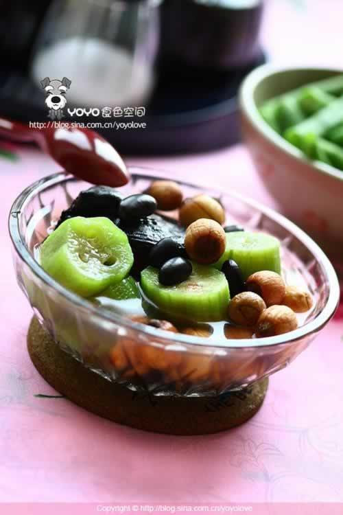 灵芝莲子丝瓜黑豆汤的做法