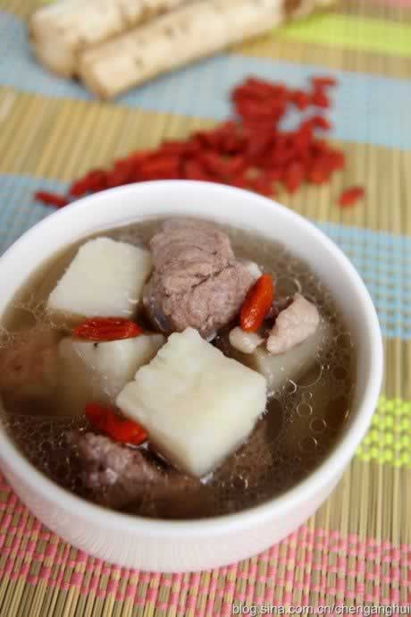 牛蒡鲜淮山排骨汤的做法