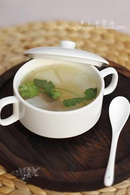 萝卜牛骨汤的做法