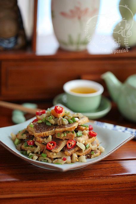 ...月饼不推荐这个做法.)   榨菜拌月饼的做法(中秋家宴菜谱)