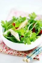 芹菜苗拌腐竹的做法