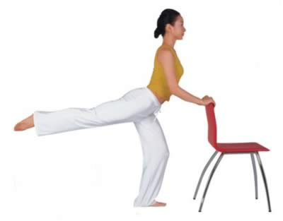 两把椅子减肥瑜伽 修炼诱惑翘臀