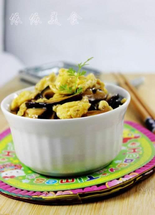 鲜菇炒鸡蛋的做法