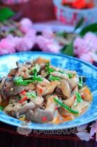 剁椒平菇炒肉丝的做法