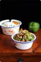 青椒炒猪肚、秘制杂蔬拌肚丝的做法