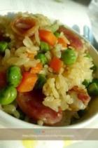 电饭煲豌豆香肠焖饭的做法