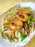 鲜虾里脊肉炒面的做法