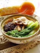 菌菇鸡汤面的做法