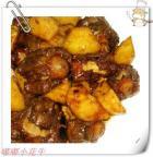 牛尾烧土豆的做法