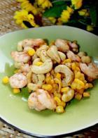 腰果虾仁炒玉米的做法