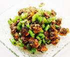 豆角炒红螺肉的做法