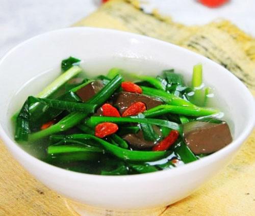 韭菜猪血汤的做法
