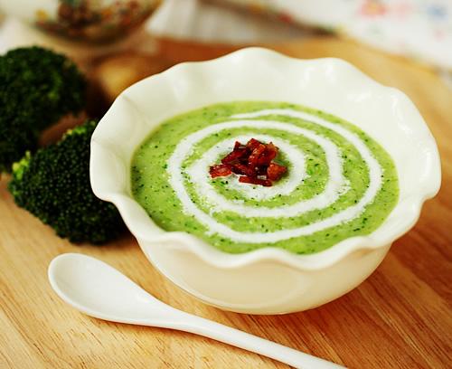 西兰花培根汤的做法图解及营养价值,如何做,西兰花培根汤怎么做好吃