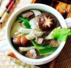 鲜菇猪血汤的做法