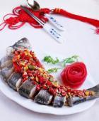 香辣豆豉蒸鲈鱼的做法