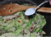 丝瓜烧鲜菇的做法图片步骤8