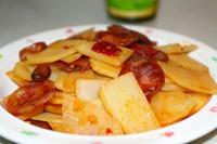 超级下饭的腊肠炒豆瓣土豆片的做法图片步骤4