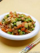 鸡丁炒杂菜的做法
