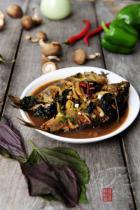紫苏炖鱼的做法