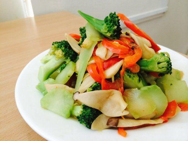 西兰花红椒杏鲍菇的做法,怎么做,西兰花红椒杏鲍菇如何做好吃详细步骤图解