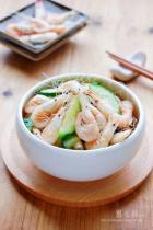 白米虾炒黄瓜的做法