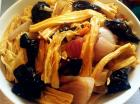 洋葱木耳炒腐竹的做法