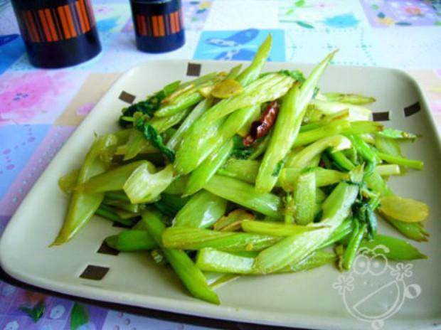 炝炒芹菜的做法,怎么做,炝炒芹菜如何做好吃详细步骤图解