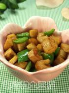 藕丁炒青椒的做法