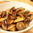 黄油蘑菇炒洋葱的做法