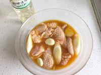 日式炸鸡块的做法第2步图片步骤 www.027eat.com