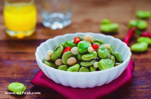 养生保健 吃豆 吃肉 不如/实用家常菜谱大全之蚕豆炒鸡蛋