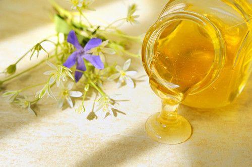 吃错蜂蜜补药变毒药  3种人不宜喝蜂蜜 www.027eat.com