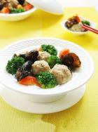 营养午餐 养生牛肉丸汤的做法