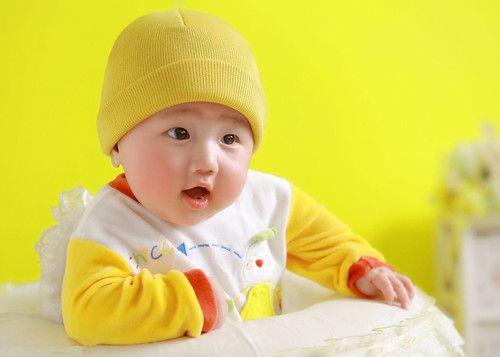 宝宝吃奶胀气怎么办