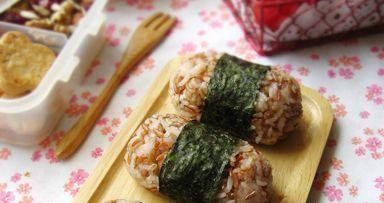 红糙米饭团的做法,如何做,红糙米饭团怎么做好吃详细步骤图解