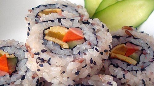 芝麻里卷寿司的做法