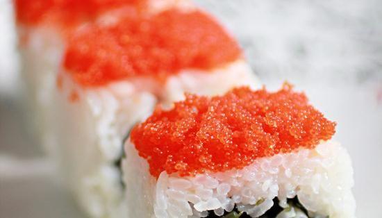 飞鱼籽寿司卷的做法