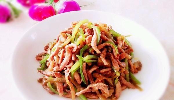 肉丝榨菜炒墨鱼_青椒榨菜炒做法的青椒,做高压锅肉丝排骨汤要煮多久图片