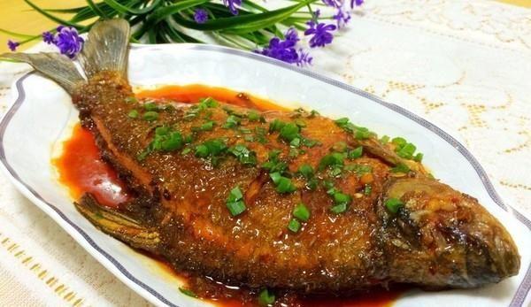 鳊鱼的吃法 红烧鳊鱼的做法,如何做,红烧鳊鱼怎么做好吃详细步骤图解