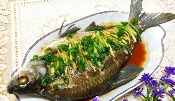 营养荤菜 清蒸鳊鱼的做法,如何做,清蒸鳊鱼怎么做好吃详细步骤图解